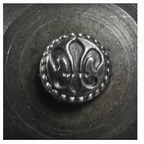 Picture of Impression Die Small Fleur De Lis Beaded Button