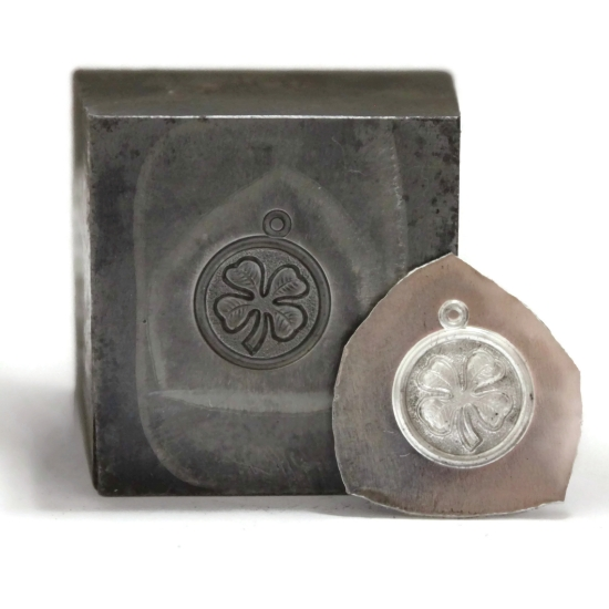 Picture of Four Leaf Clover Pendant Silver Stamping