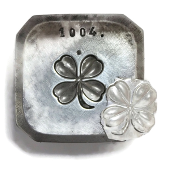 Picture of Four Leaf Clover Silver Stamping