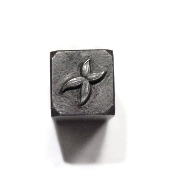 Picture of Impression Die Crossed Petals