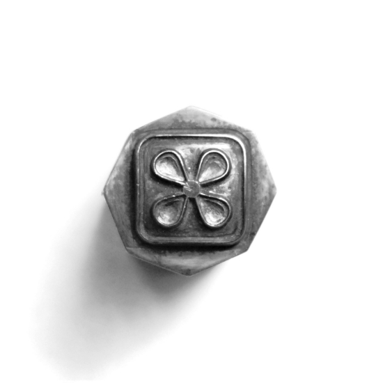 Picture of Impression Die 70's Flower