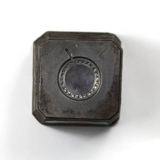 Picture of Victorian Locket Top Silver Stamping